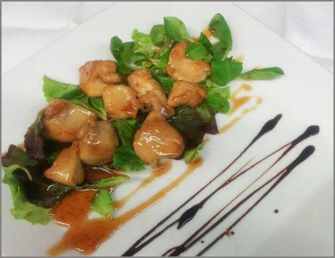 filetto-di-coniglio-con-salsa-al-miele-antipasti-carne-del-ristorante-trattoria-al-chiostro-di-verona
